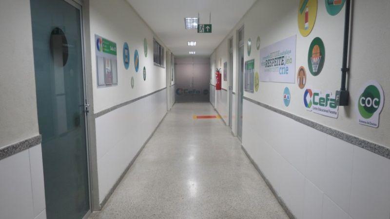 Corredor de acesso aos laboratórios